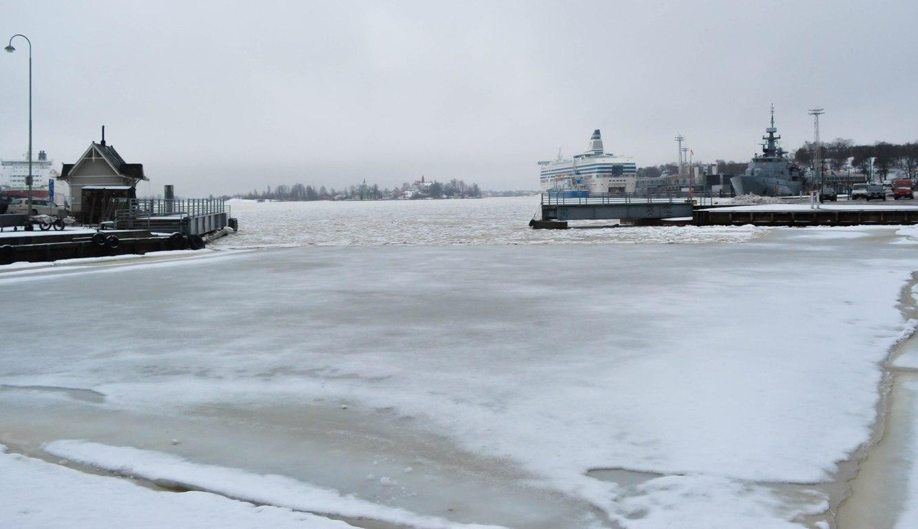 Helsinki-sea-front.1