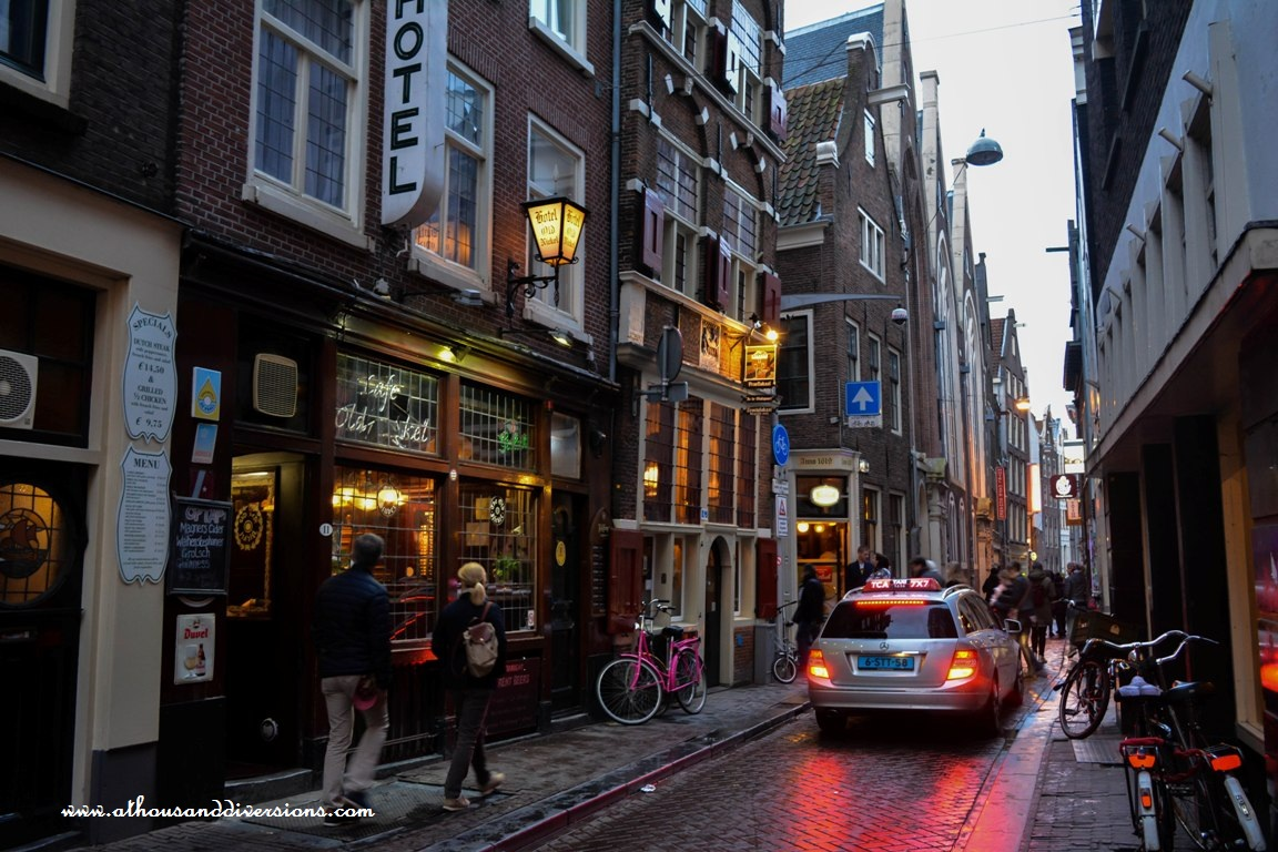 Amsterdam-street-in-evening